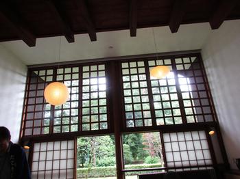 前川邸明かり窓2.jpg