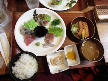 平塚漁港食堂3.jpg