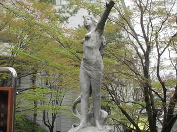 北村西望平和の女神像 のコピー.jpg